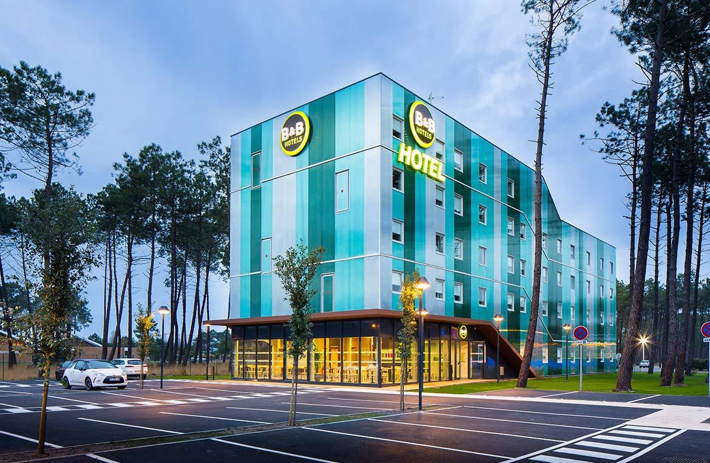 사례연구 – 주변경관과 어우러진 호텔